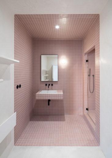 Salle de bain rose terracotta || Rue de condé - Studio Cigüe
