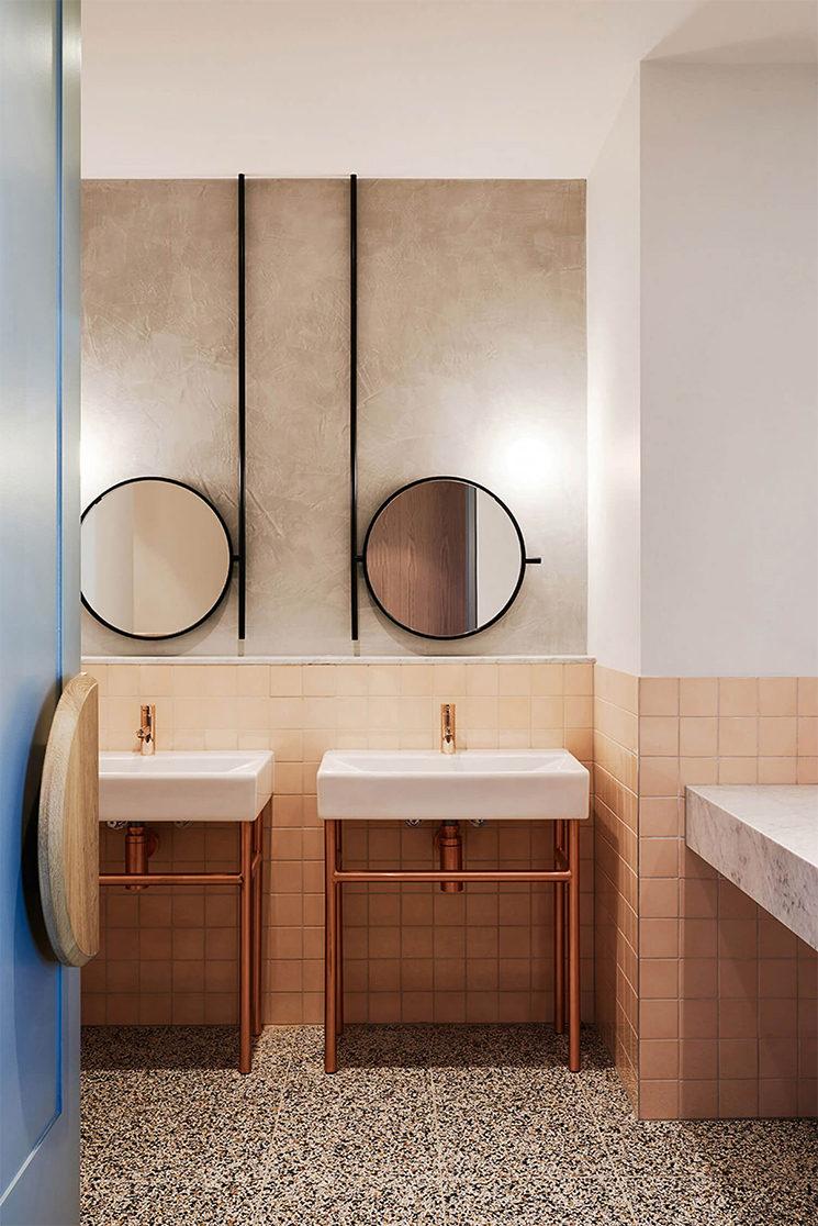 Salle de bain rose terracotta || The Penny Drop Café -Studio We are Huntly