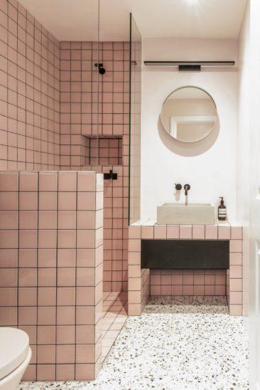 Salle de bain rose terracotta || The Triangle, Yellow Cloud Studio