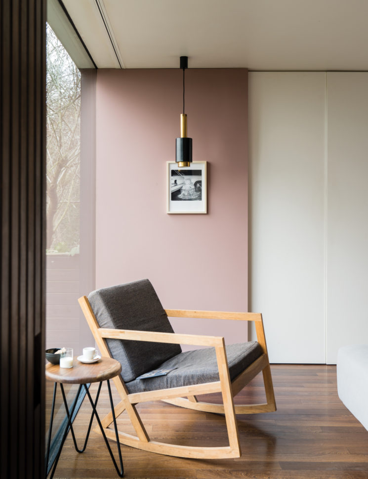 9 nouvelles couleurs Farrow and Ball || SULKING ROOM PINK® n°295