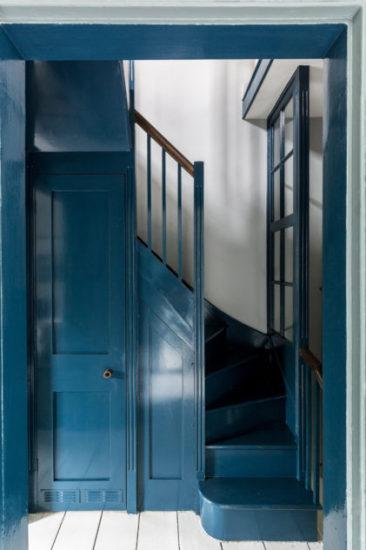 Camaïeu de bleu et gris pour cette maison georgienne