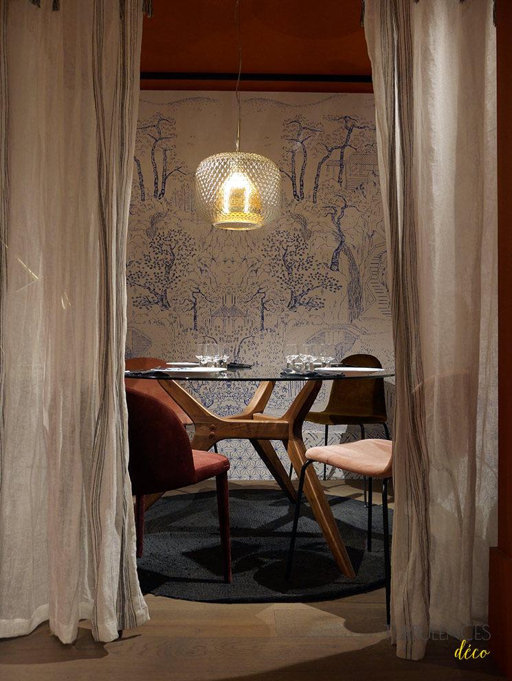 La nouvelle boutique Ampm de Lyon à l'Hôtel-Dieu || Table ronde Maricielo + Fauteuil de table Anathème + Chaise velours Tibby
