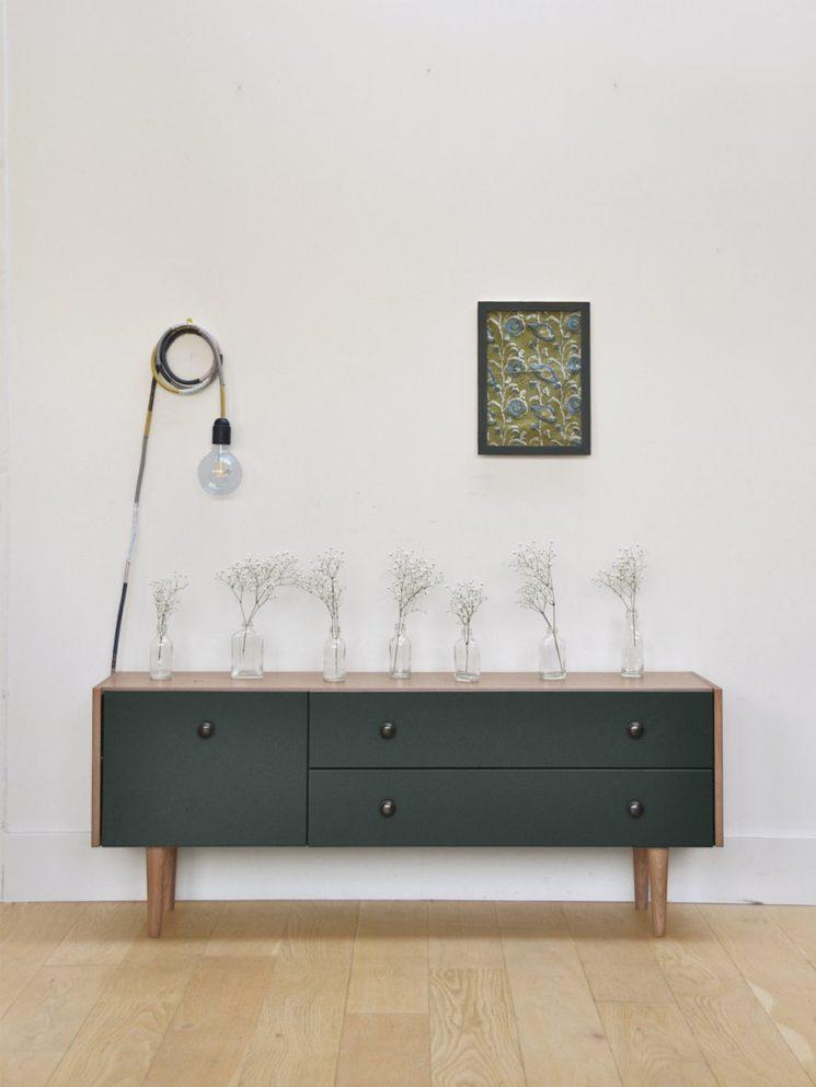 Collection capsule Cyrillus & Bilboquet    Meuble bas en gris foncé/naturel