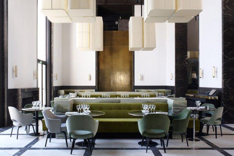 Choisir des chaises de salle à manger confortables || Monsieur Bleu, palais de Tokio Paris - Design Joseph Dirand