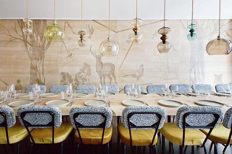 Choisir des chaises de salle à manger confortables || La table de Marie Jeanne à Paris