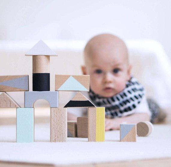 Jouet blocks de bois Happy - Boutique Little Folk sur Etsy