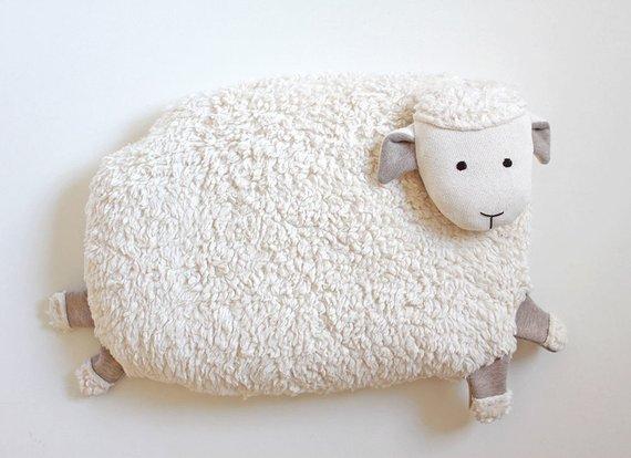 Coussin peluche pour bébé mouton - Boutique Miasli sur Etsy