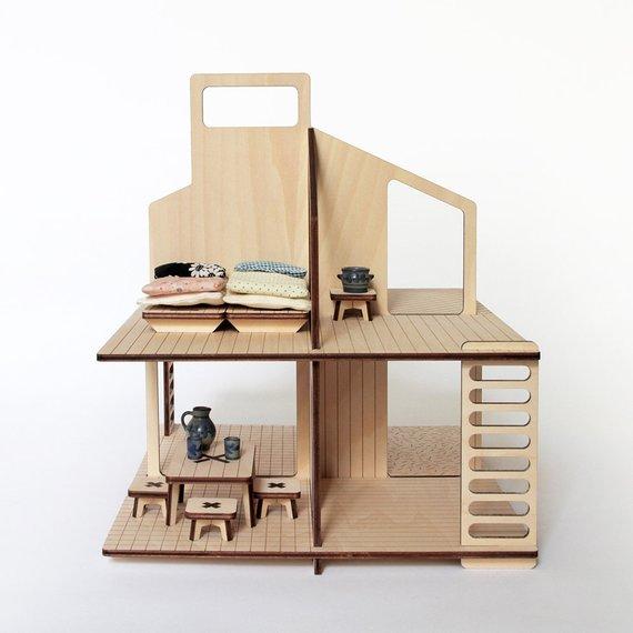Maison de poupée en bois et son mobilier - Boutique Milky Woud sur Etsy