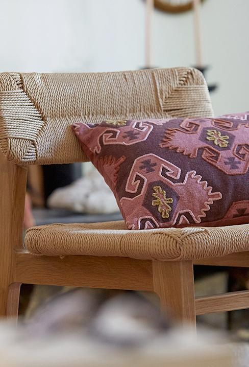 Une jolie collab Billie Blanket et La Redoute Intérieurs // Chaise en chêne massif et cordage papier