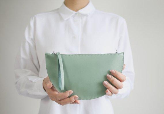 Petit sac en cuir demi lune - Boutique Etsy Alex Bender