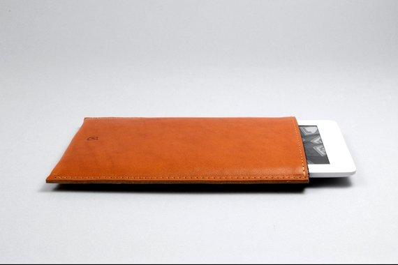 Pochette en cuir pour Kindle - Boutique Etsy Cinnamon Cocoon