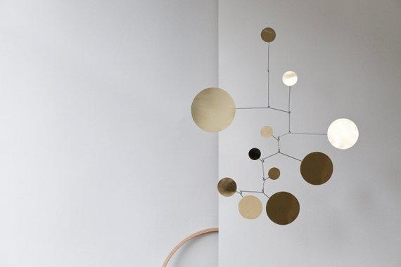 Mobile cercles en laiton - Boutique Etsy Lappalainen