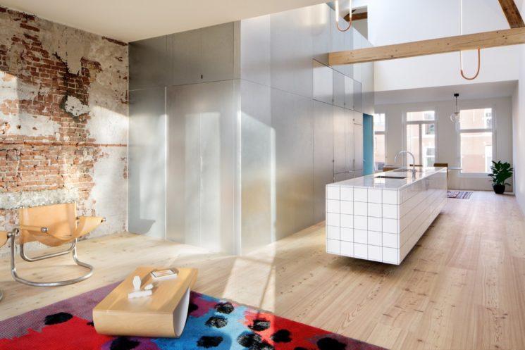 [ Idée déco ] Un îlot central de cuisine en carrelage // ProjetMatryoshka House par Shift archiecture