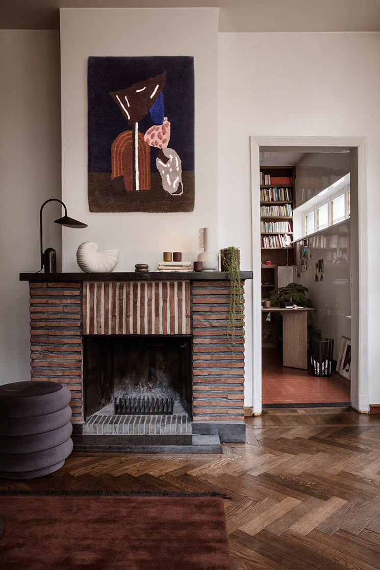 Un catalogue Ferm Living SS2019 dans un décor design et vintage