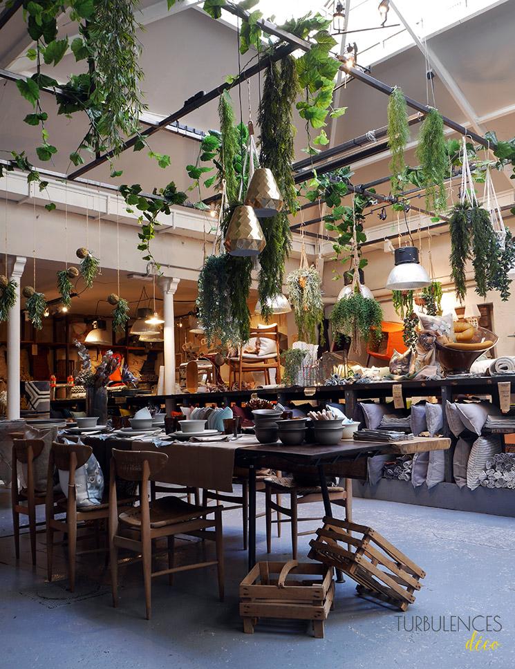 Captivant Visite De La Boutique Borgo Delle Tovaglie à Paris