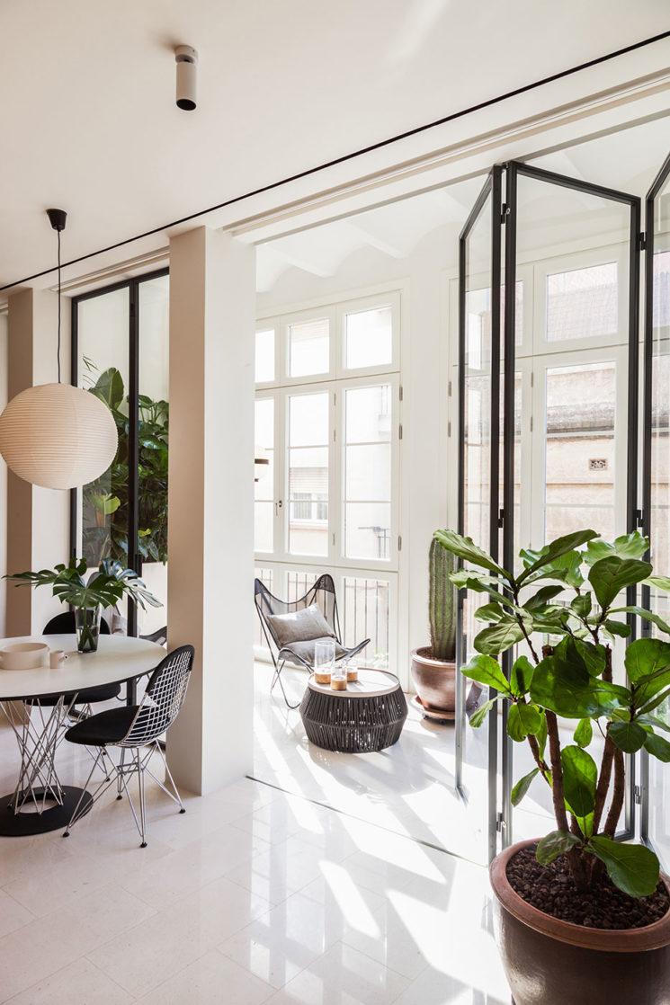 La couleur verte en déco // Appartement à Barcelone par le studio Ylab