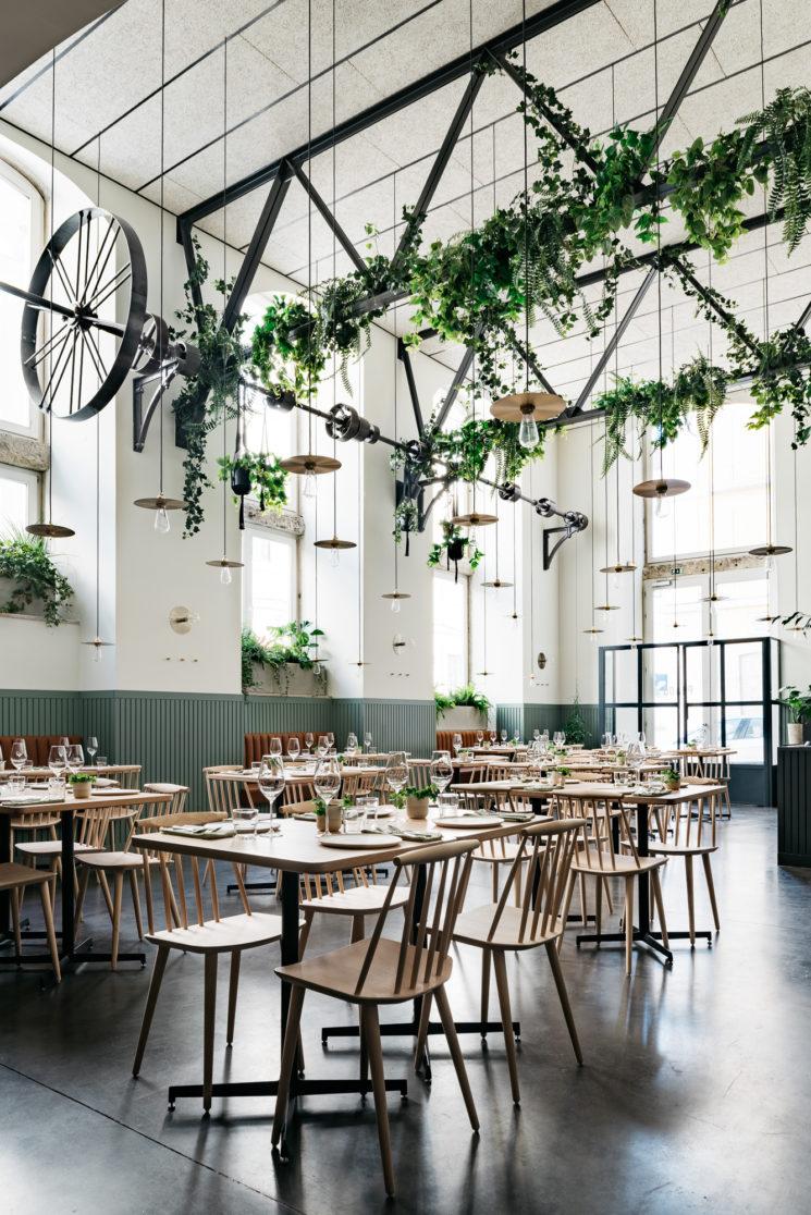 La couleur verte en déco // Restaurant le Prado à Lisbonne par Ark studio