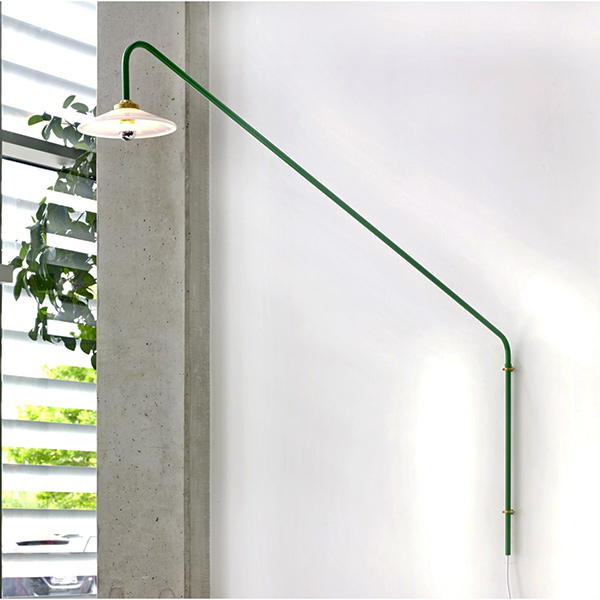 Lampe murale Hanging lamp N°1, design : Muller Van Severen pour Valerie Objects