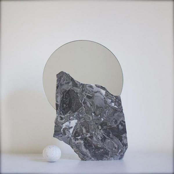 Miroir avec support en marbre, Sur la lune - Boutique Etsy Jenten designs