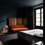 Décorer avec des teintes sombres comme le Sister hotel
