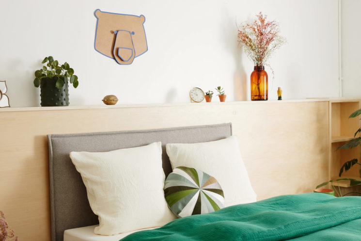 L'incroyable tête de lit Tediber, 100% polyester hypoallergénique, doux et respirant. à partir de 140 € en 140 cm
