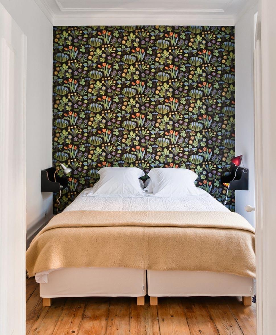 Osez un papier-peint fleuri ! // Baixa House à Lisbonne + Papier-peint Josef Frank