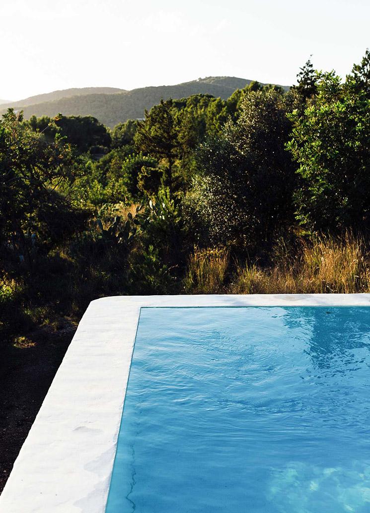 The Campo Loft à Ibiza, un loft au milieu de la nature sauvage de l'île avec piscine !