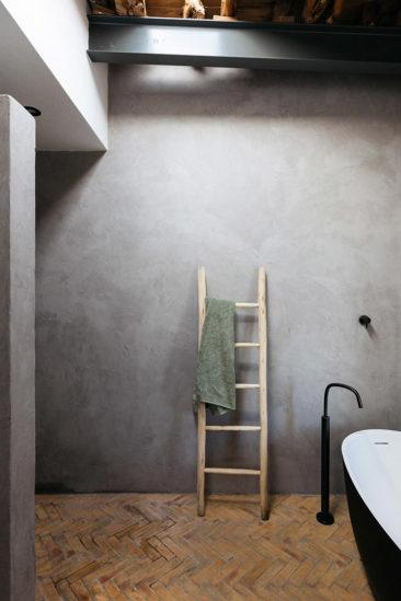 The Campo Loft à Ibiza, un style industriel et rustique minimaliste