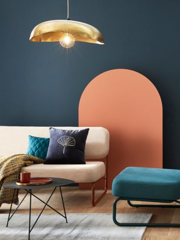 Banquette en bleu ou rose clair, collaboration Maison Mirbel & Cyrillus, 889 €