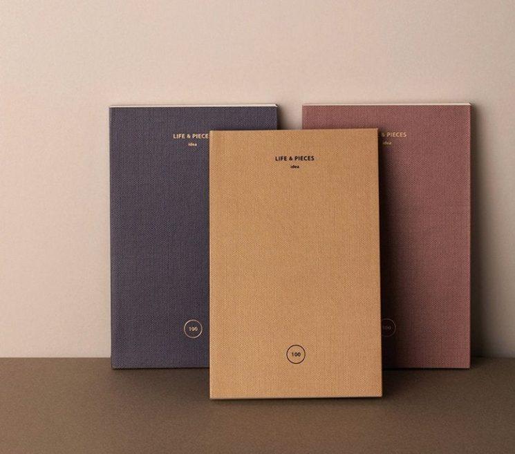 Trois cahiers pour s'organiser : un cahier de note, un bullet cahier, et un agenda 2020 sur la boutique Etsy boutique Dubu Dumo