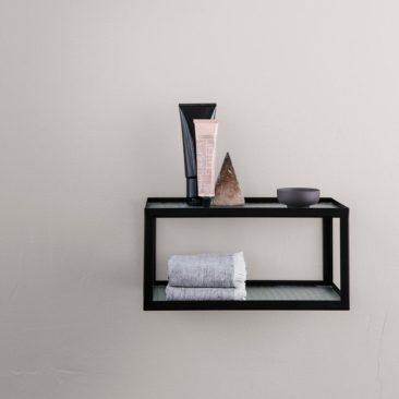 Etagère en verre et métal, Haze - design Trine Andersen pour Ferm Living - 95 €