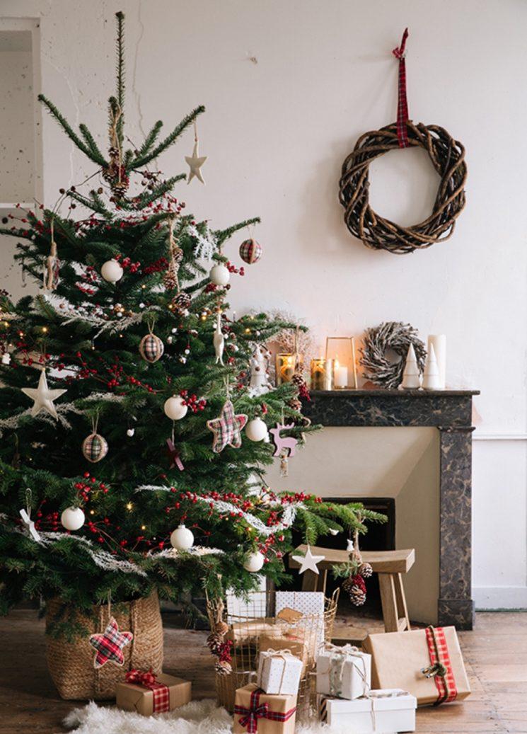 Du tartan pour le décor de Noël 2019 de La Redoute