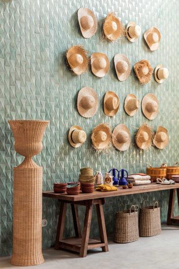 Le style méditerranéen à tendance French Riviera // L'hôtel Menorca experimental par Dorothée Meilizchon