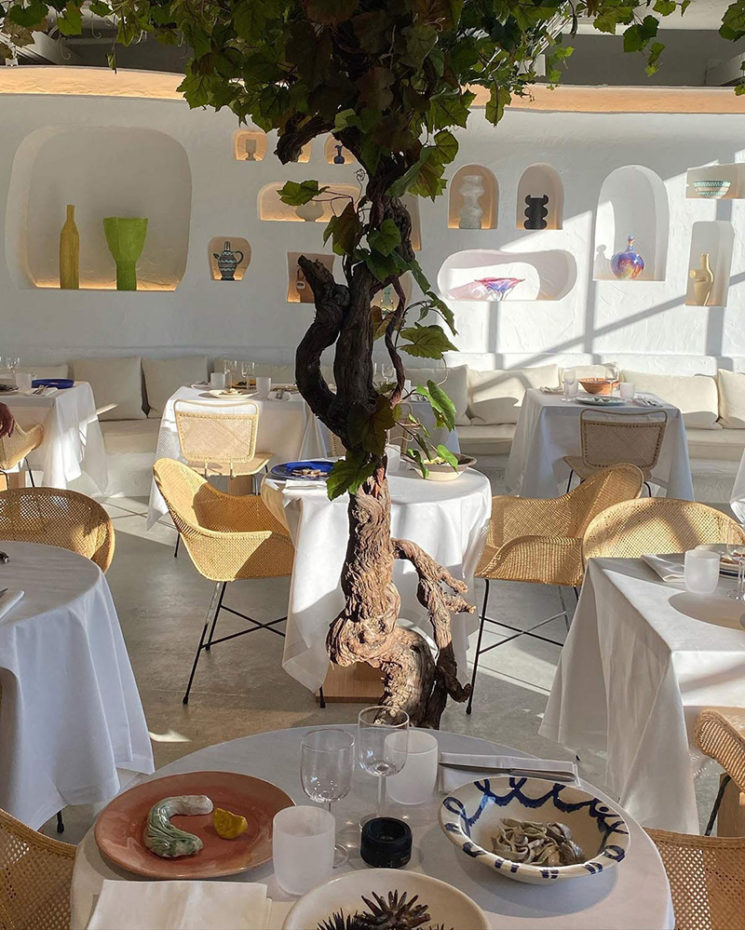 Le style méditerranéen à tendance French Riviera // Le restaurant Oursin aux Galerie Lafayette par Simon Porte Jacquemus