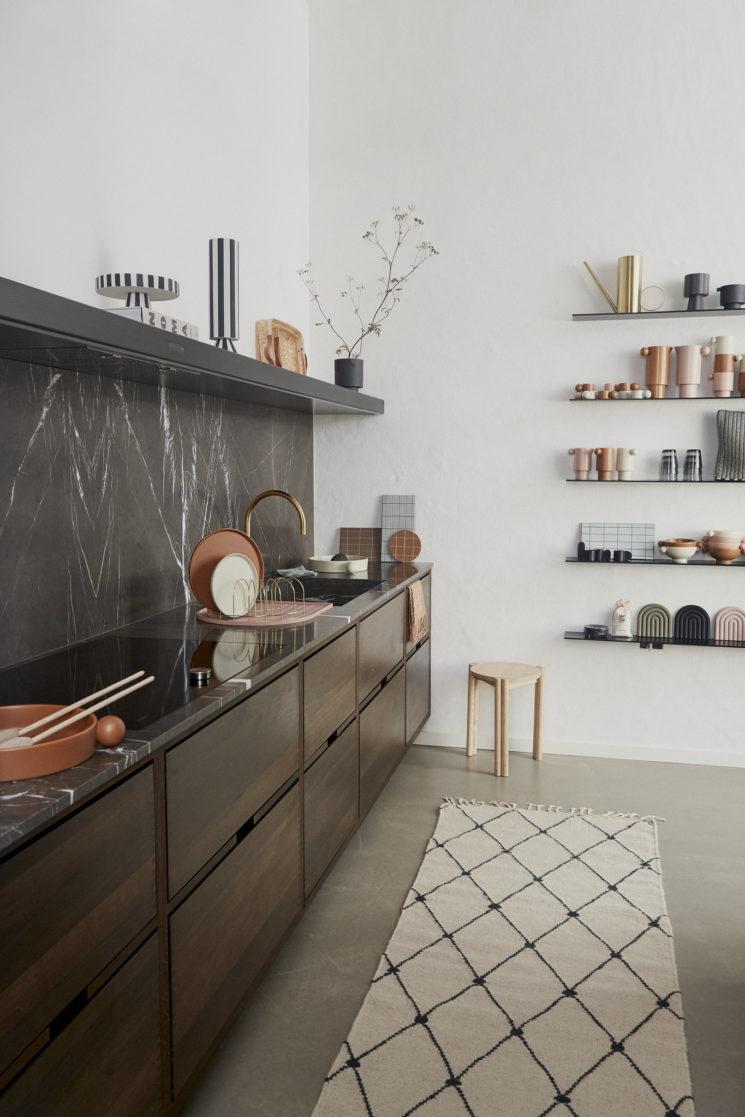 Une cuisine design pour de jolis objets design // Catalogue OYOY, Automne-Hiver 2019