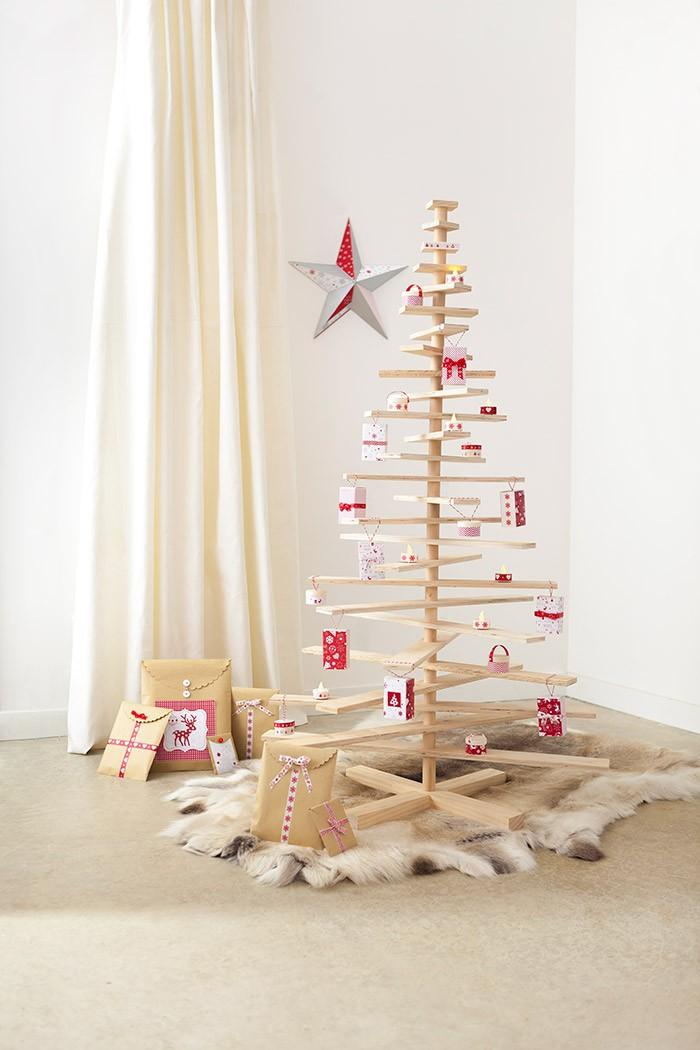 Sapin de Noël en bois, articulé, à retrouver sur Cultura
