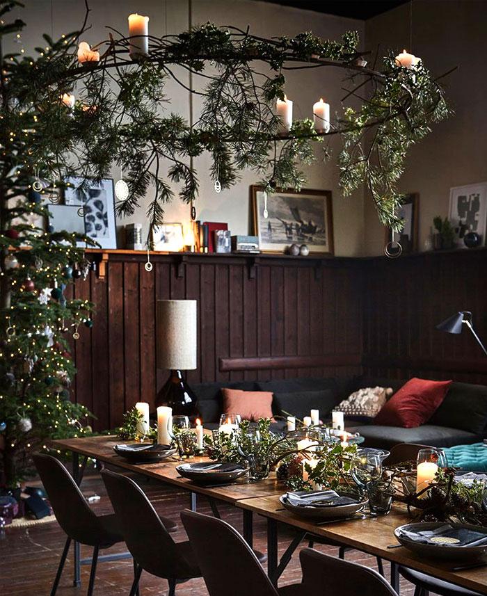Cercle suspendu décoré de branches de sapin pour le catalogue House Doctor