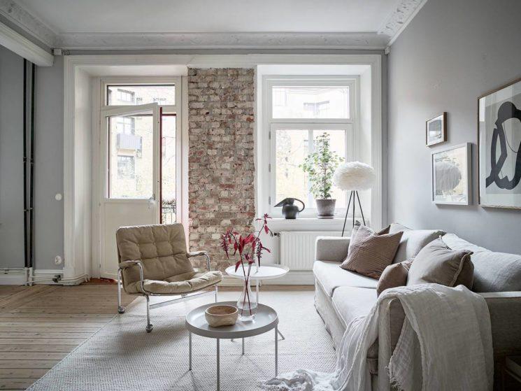 Laisser apparent un petit bout de mur en brique dans une pièce