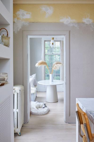 Un décor neutre monochrome, chaleureux // Bodega Home par Bodega LTD.