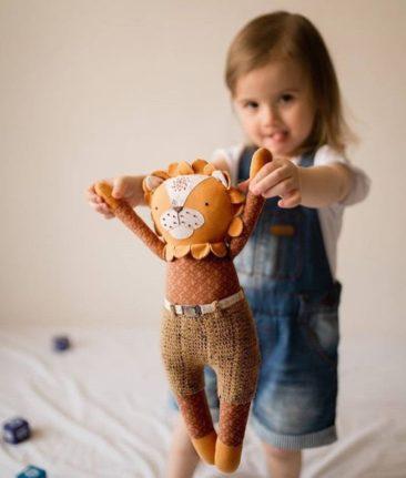 Petit lion en tissu - Boutique Tony Toys sur Etsy