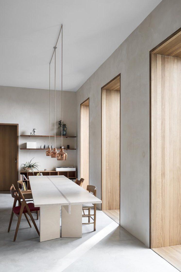 Un décor neutre monochrome, chaleureux // Un appartement berlinoisdans un style méditerranéen / scandinave