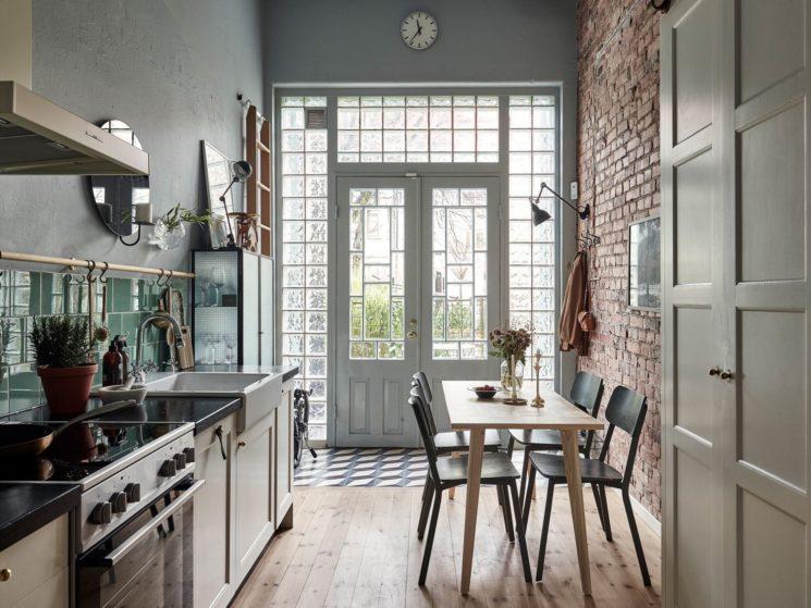 """Encore... ce duplex à la déco scandi vintage à Götenborg // Ambiance """"campagne"""" pour la cuisine"""