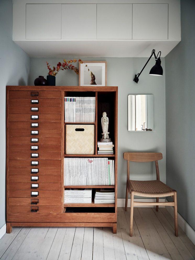Encore... ce duplex à la déco scandi vintage à Götenborg // meuble de bureau vintage scandinave