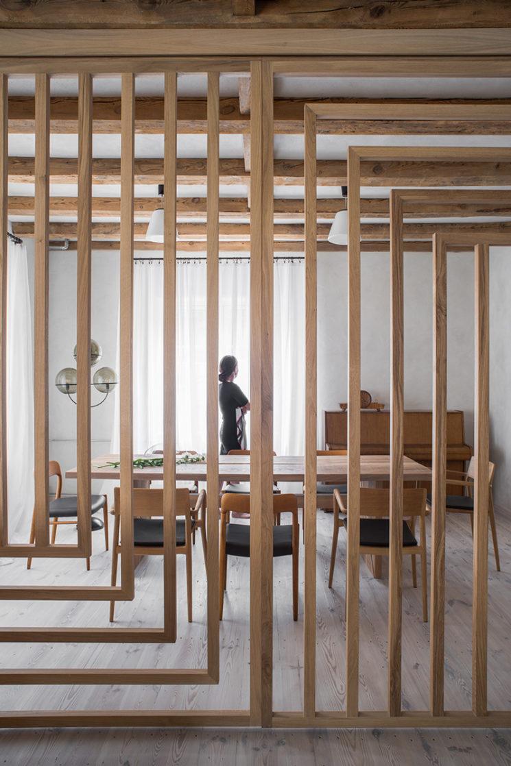 House from 1923 d'inspiration japandi moderniste par Loft Kolasinski