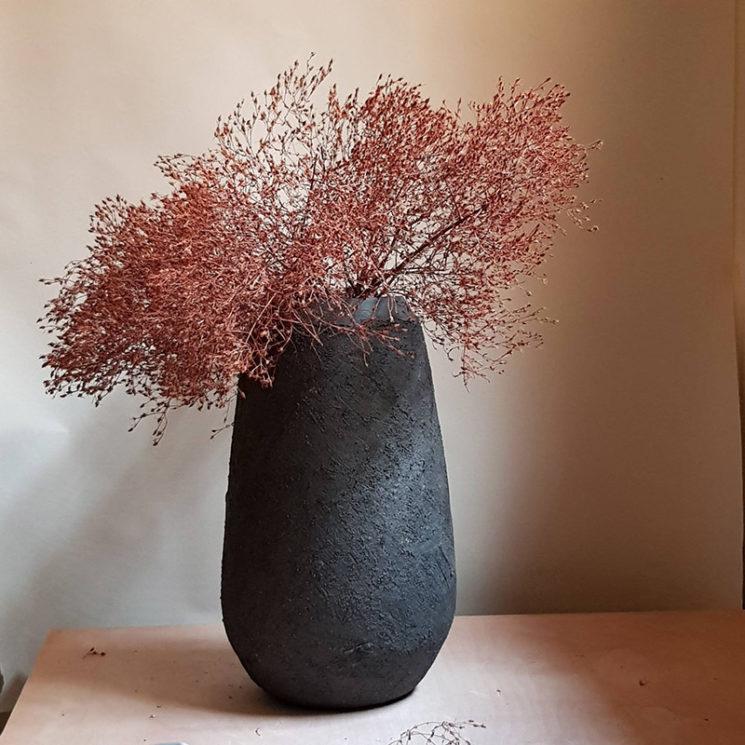 Grand vase noir de style wabi sabi, 400 € sur la boutique Etsy Pilos Shop