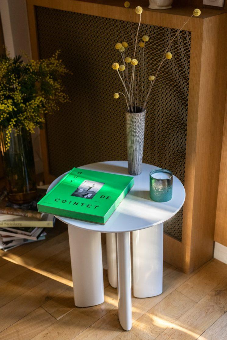 Collection Enveloppantes seventies par The Socialite Family // TABLE D'APPOINT CARLOTTA, en 4 couleurs, 480 €