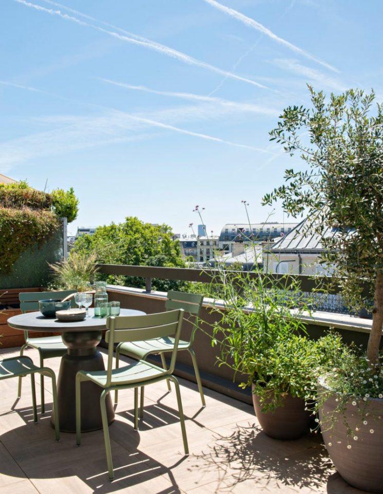 Vivre dedans/dehors || Une terrasse d'un appartement parisien