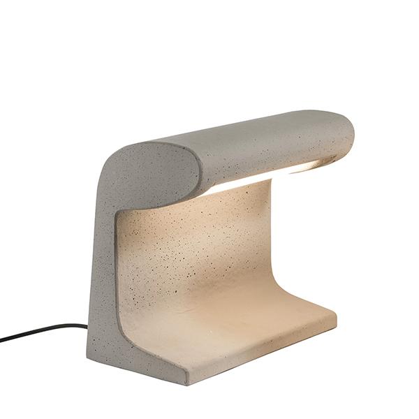 Lampe en béton, design : Le Corbusier 1952 - Nemo