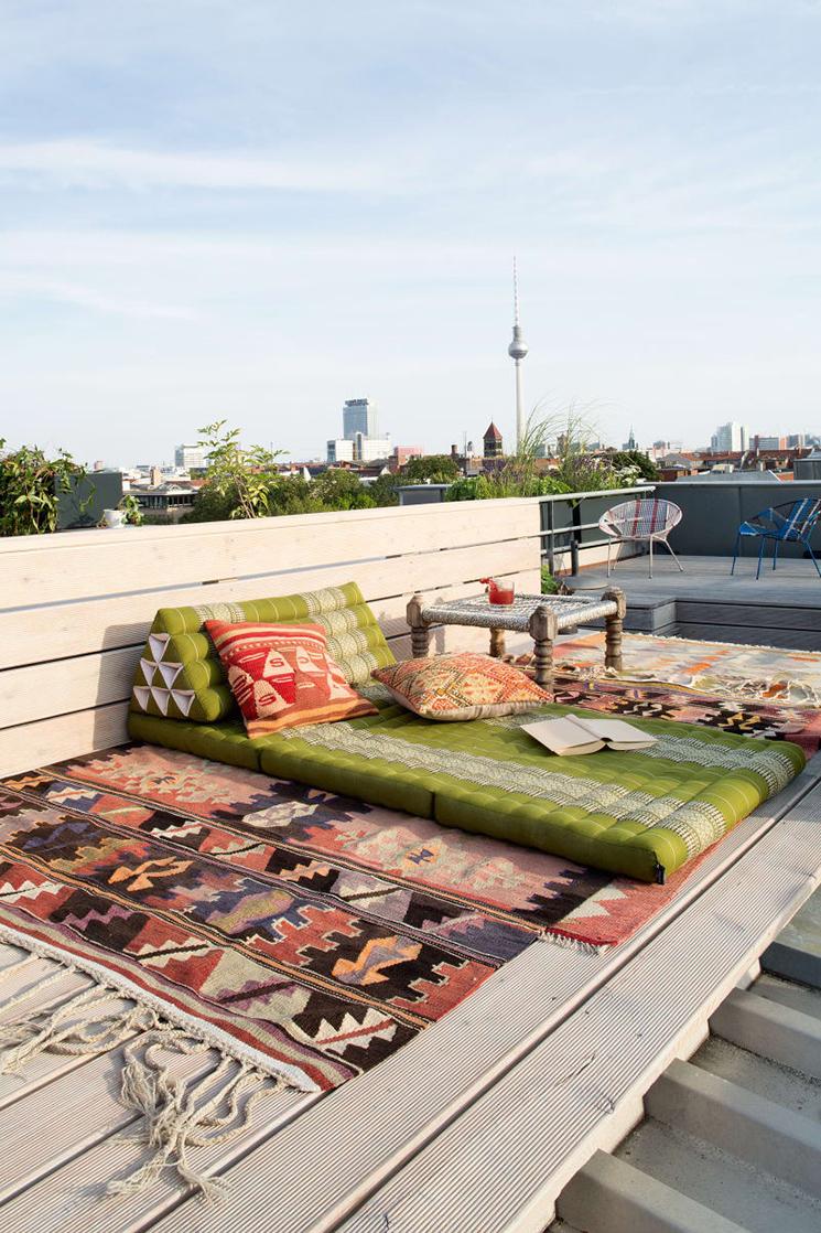 Vivre dedans/dehors || La terrasse bohème de l'architecte d'intérieur Ester Bruzkus à Berlin