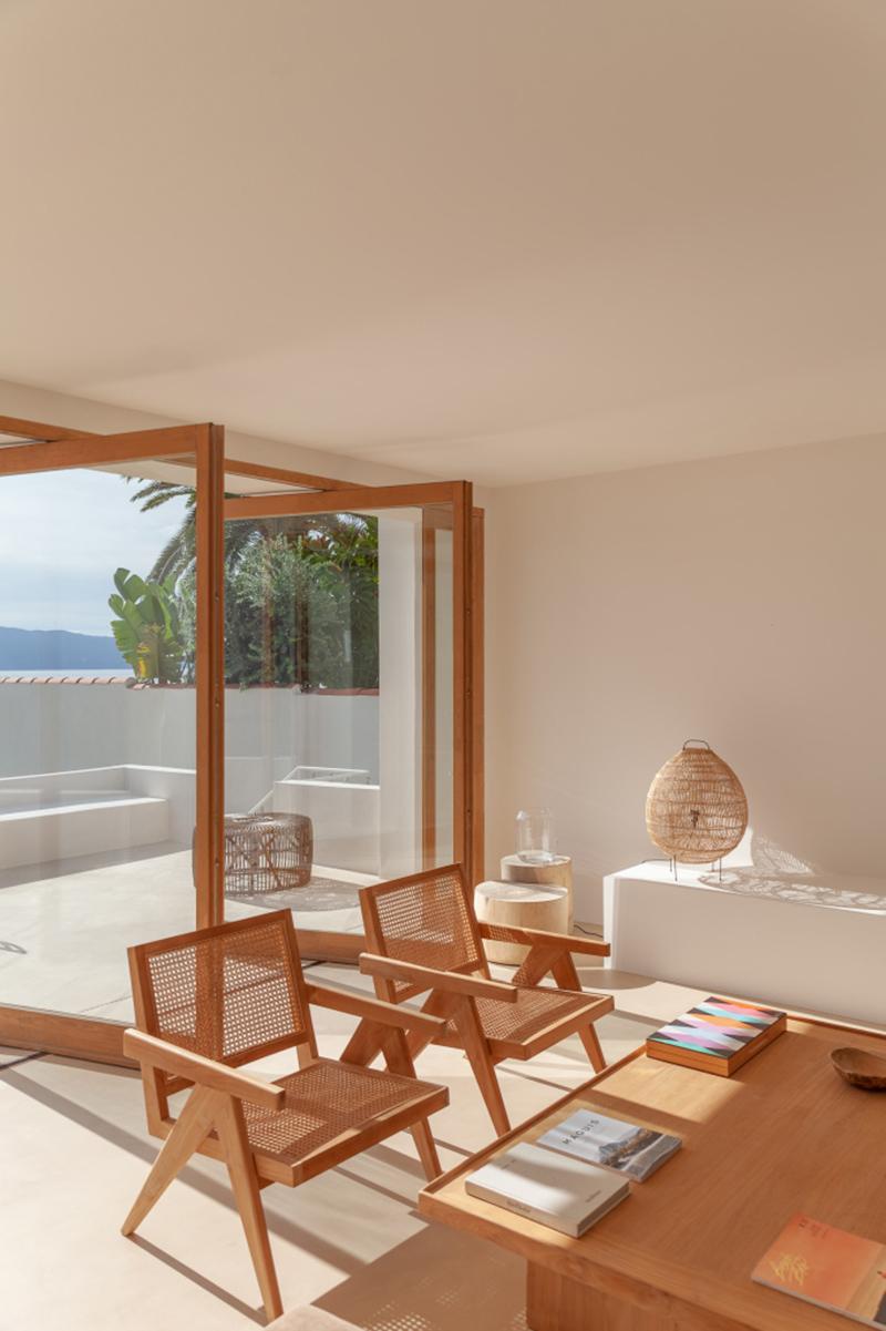 Villa Santa Teresa au décor minimaliste méditerranéen